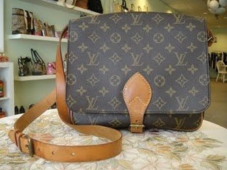 Louis Vuitton Monogram Cartouchiere Sling 80%new